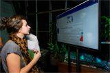 интерактивный экран для он-лайн отправки фото