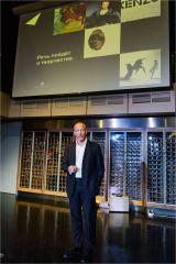 презентация новой коллекции SKIN- Кристоф Балареск, региональный директор по продажам Arjowiggins